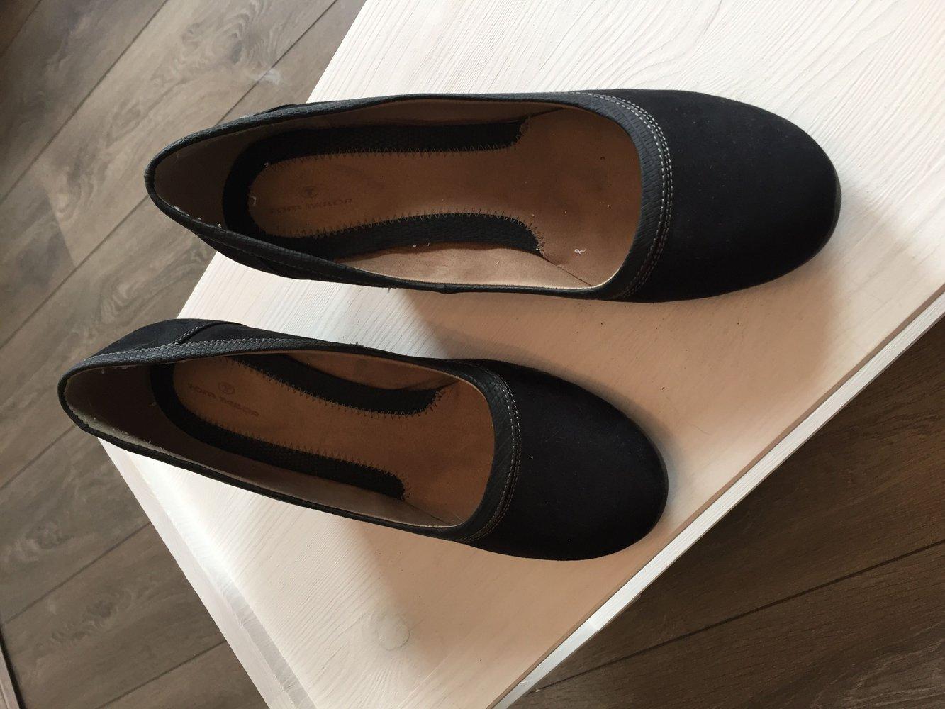 tom tailor pumps mit keilabsatz. Black Bedroom Furniture Sets. Home Design Ideas