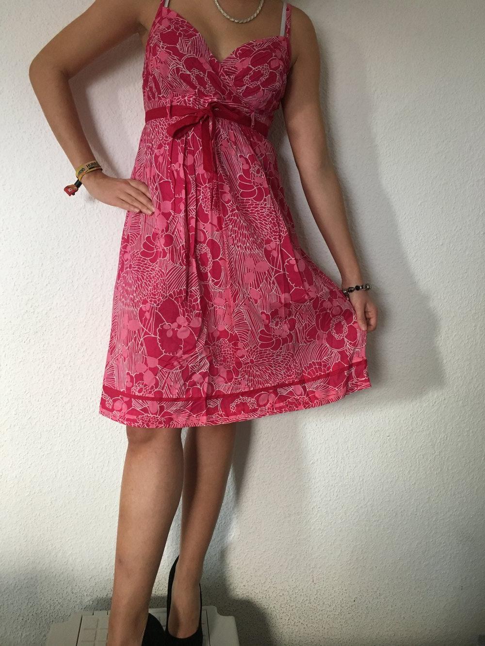 Wunderschönes pinkes Esprit Kleid in 36 mit Blumenmuster und Schleife, Kleidchen, schick, Abendkleid, festlich, Muster, weiß, Band