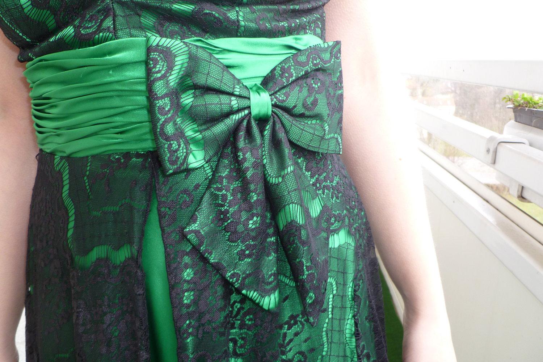 Juju & Christine - schwarz-grünes Neckholder-Kleid :: Kleiderkorb.de