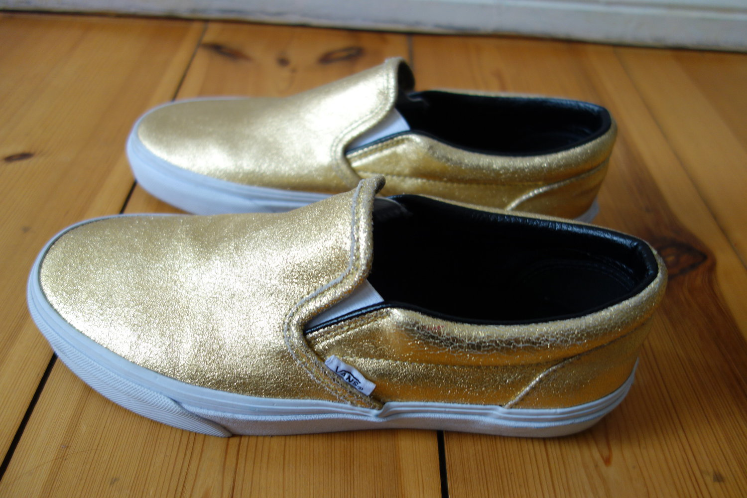 goldene vans sneaker slip ons. Black Bedroom Furniture Sets. Home Design Ideas