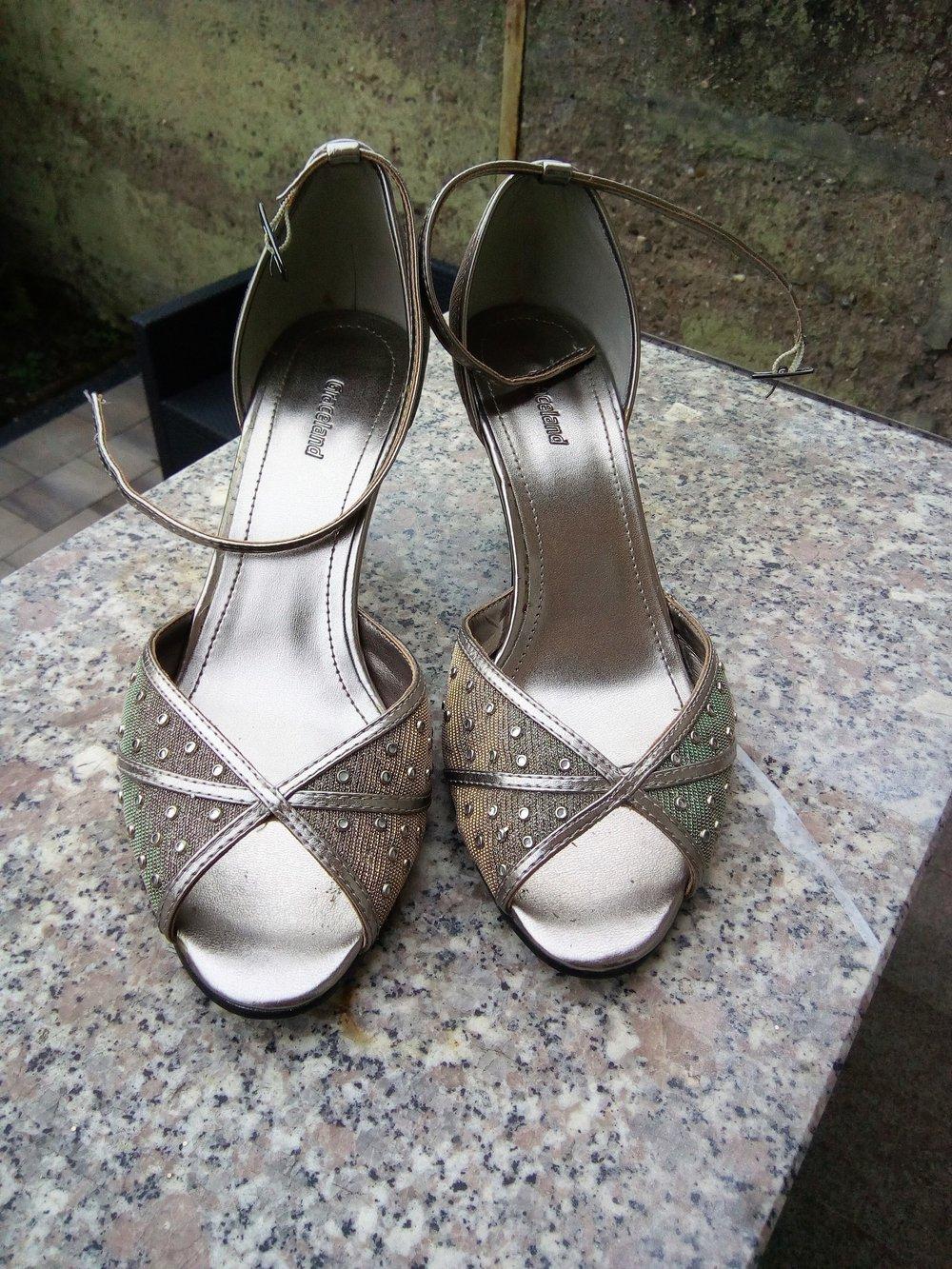 Graceland - Sehr hübsche Sandalen metallic Schimmer    Kleiderkorb.de 249f9a45cb