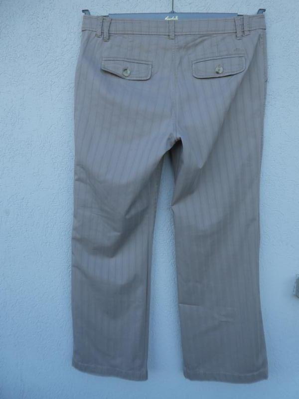 s.Oliver – Damen Hose, beige mit Struktur Gebraucht