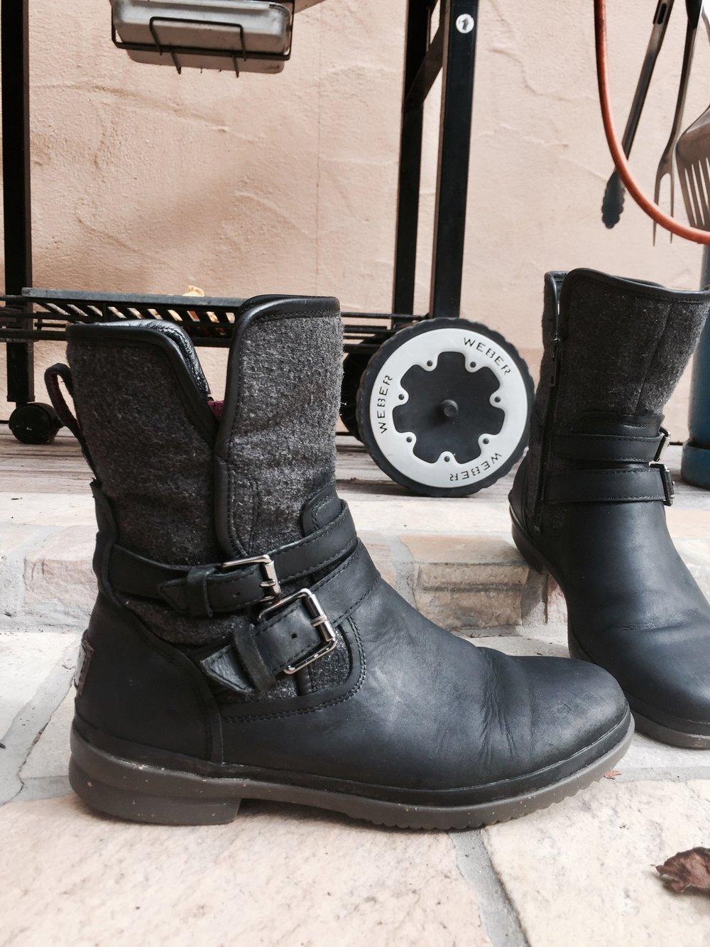 ugg australia wasserfeste ugg boots schwarz leder. Black Bedroom Furniture Sets. Home Design Ideas