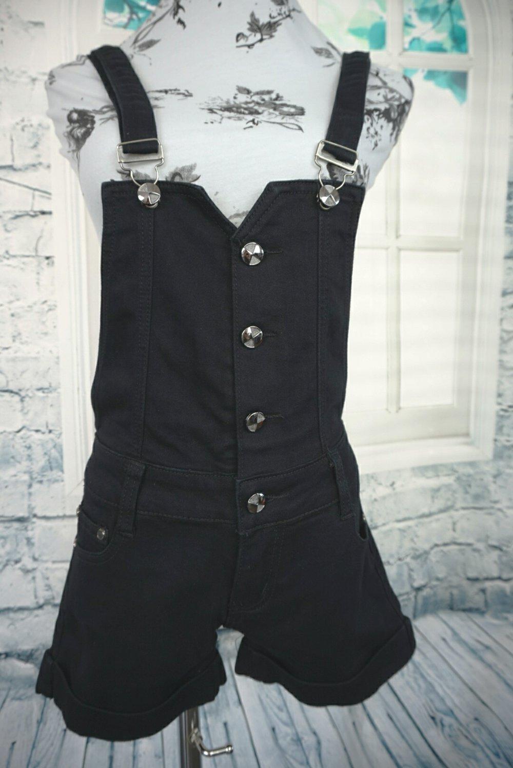 miss one miss one jeans latzhose schwarz kurz. Black Bedroom Furniture Sets. Home Design Ideas