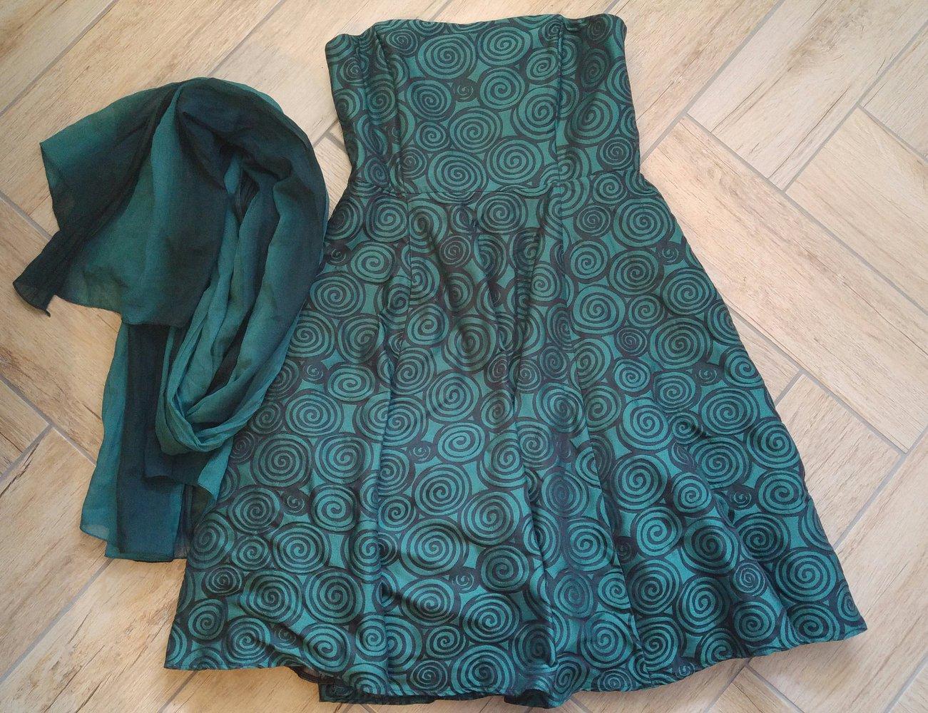 Grünes Cocktailkleid von Orsay :: Kleiderkorb.de