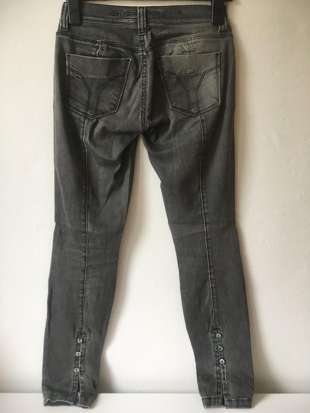 Miss Sixty Jeans Judy M Grau Gr.27 DENIM Straight Distressed Used Look ... 42a598097c