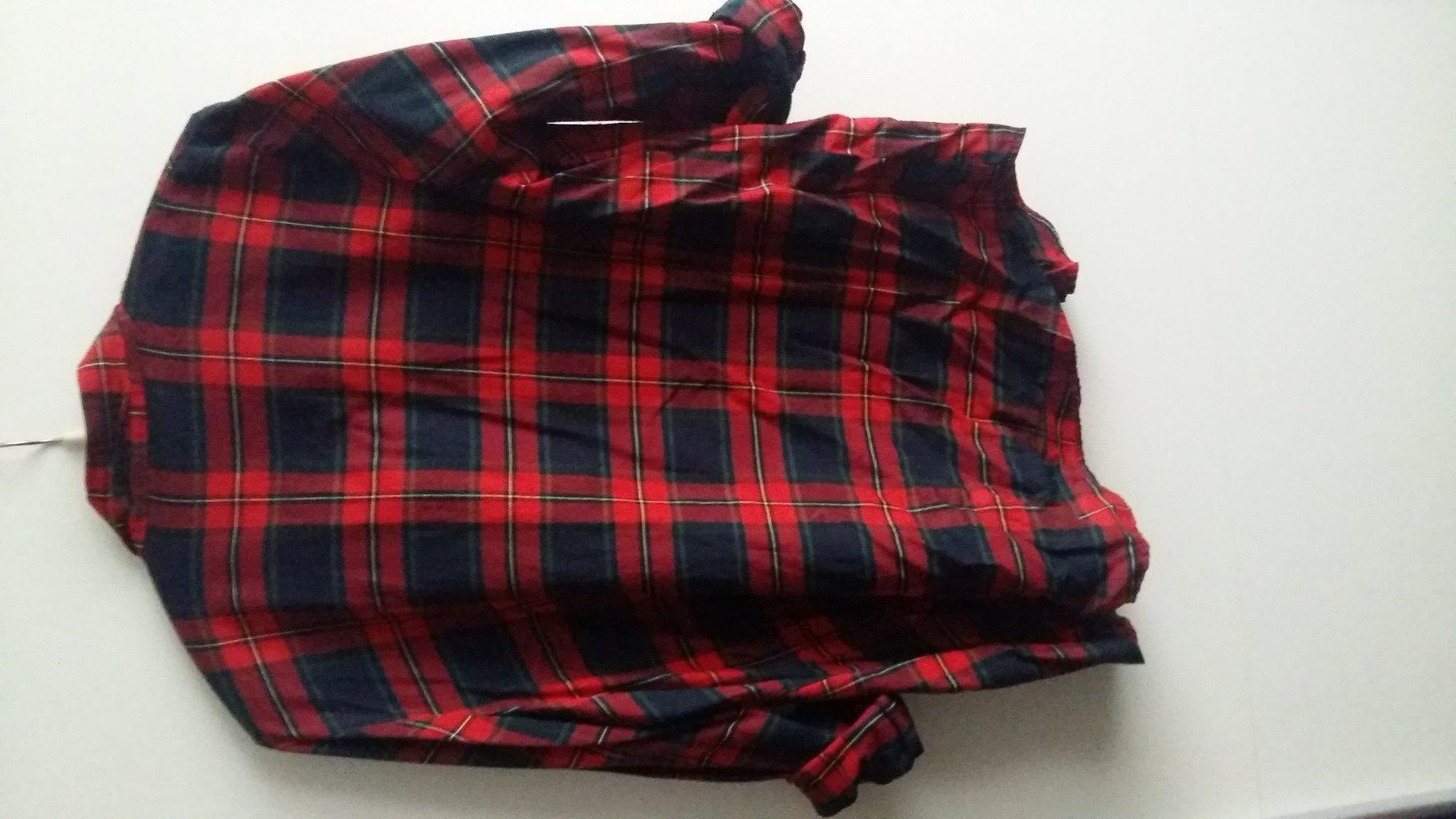 low priced f9176 59314 schwarz-rotes Hemd mit Nieten