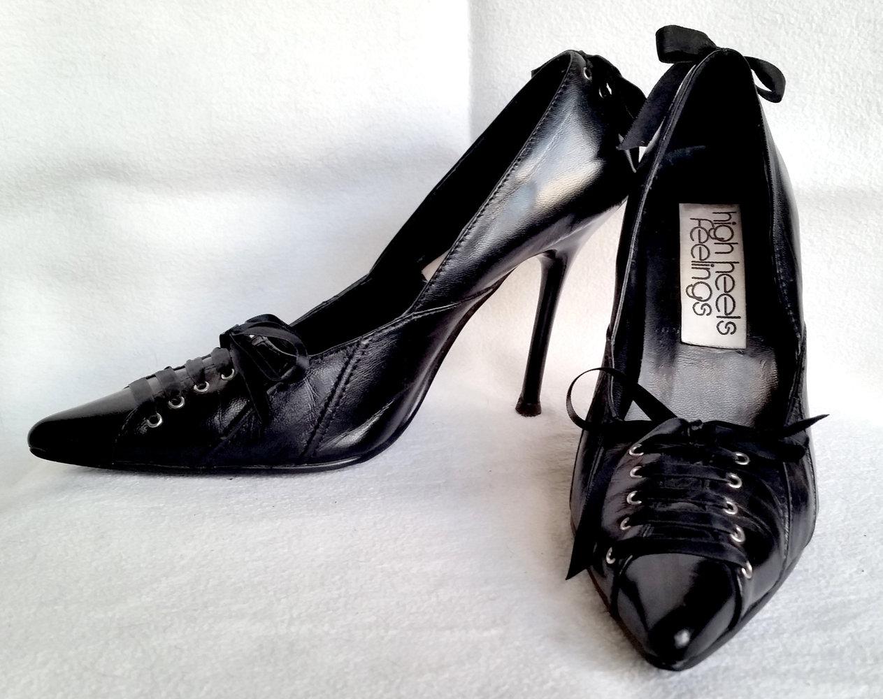 high heels feelings elegante verspielte high heels mit schn rung stilleto absatz gr 37. Black Bedroom Furniture Sets. Home Design Ideas