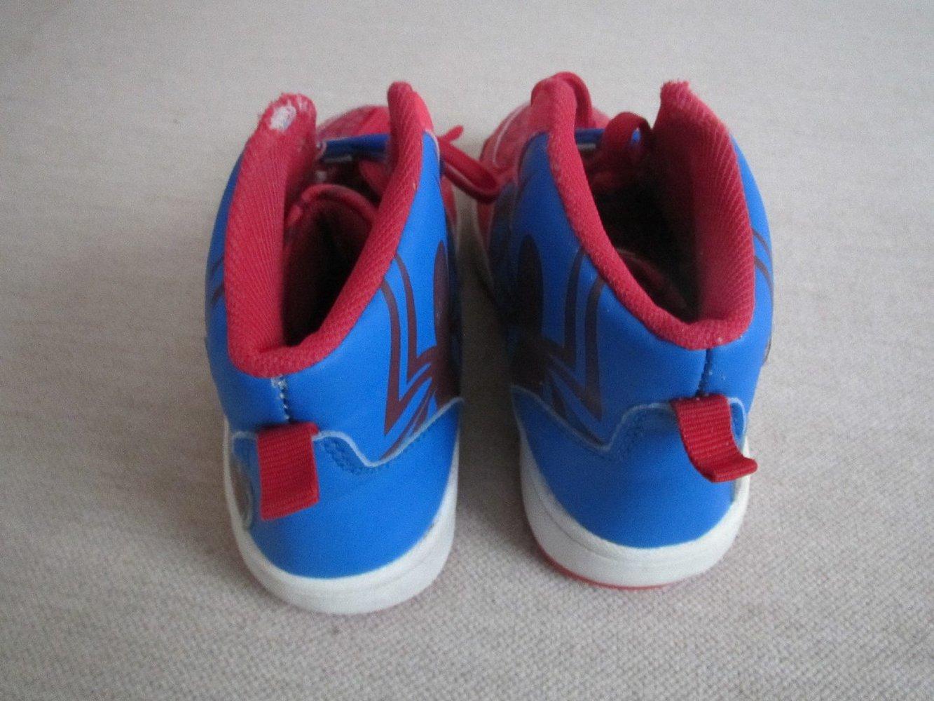 Schuhe Halbschuhe Sneaker Gr. 29 in rot blau Spiderman