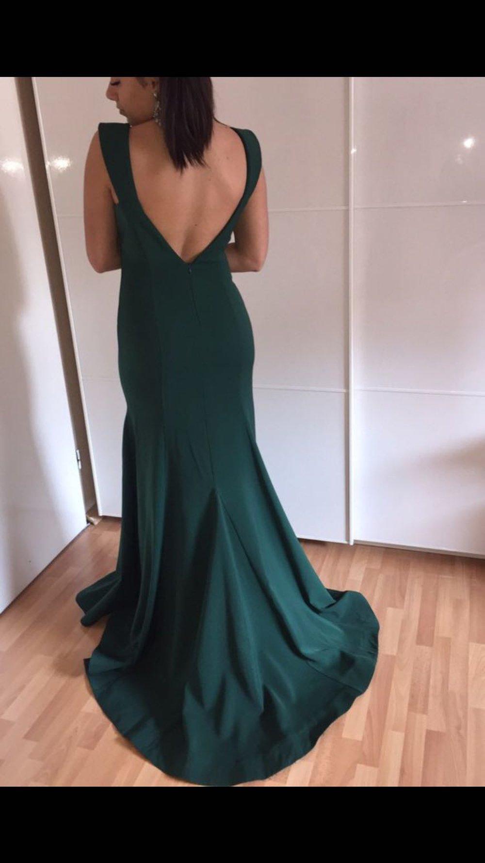 Schönes dunkelgrünes Abendkleid