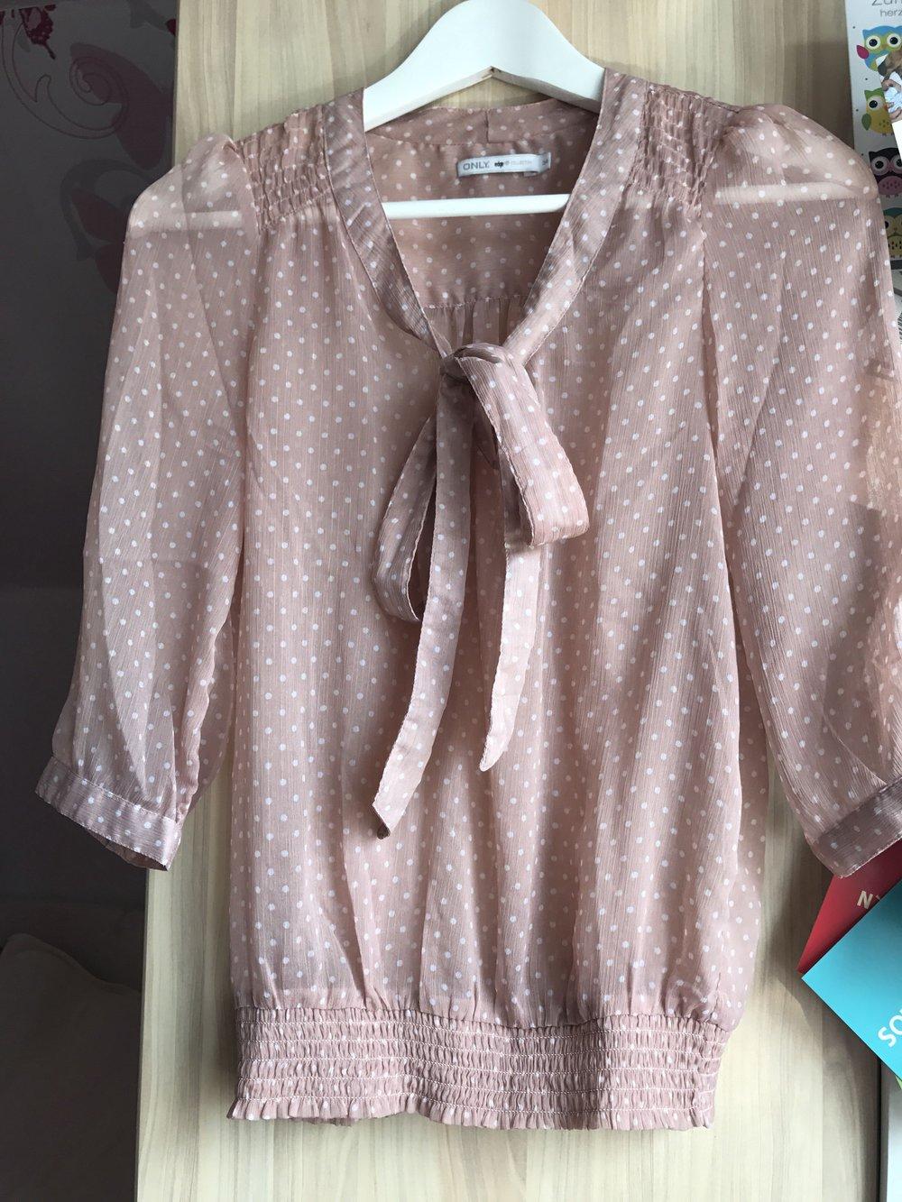 ... transparent Rosa Only Bluse mit weißen Punkten und einer Schleife in  Größe 34, schluppenbluse, transparent . f875ef6fb0