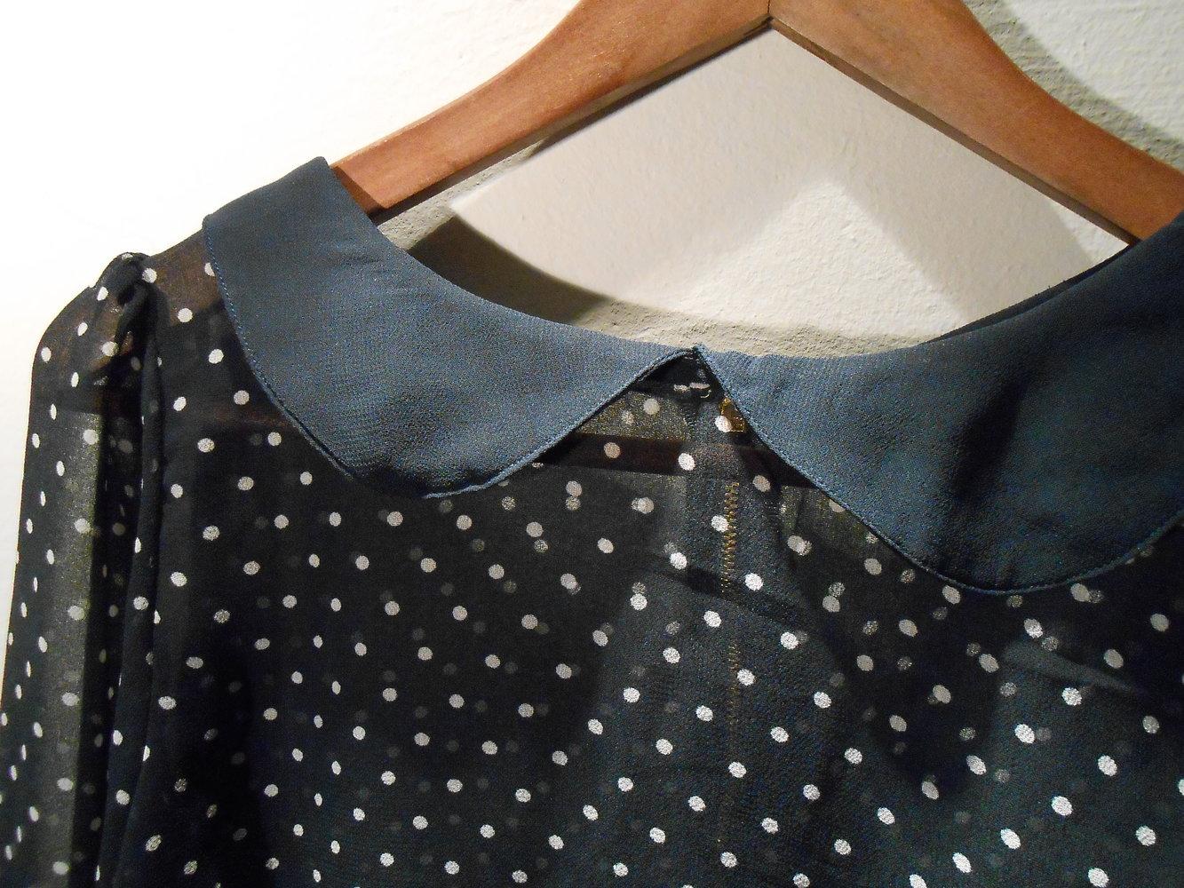 gepunktete bluse mit bubi kragen. Black Bedroom Furniture Sets. Home Design Ideas