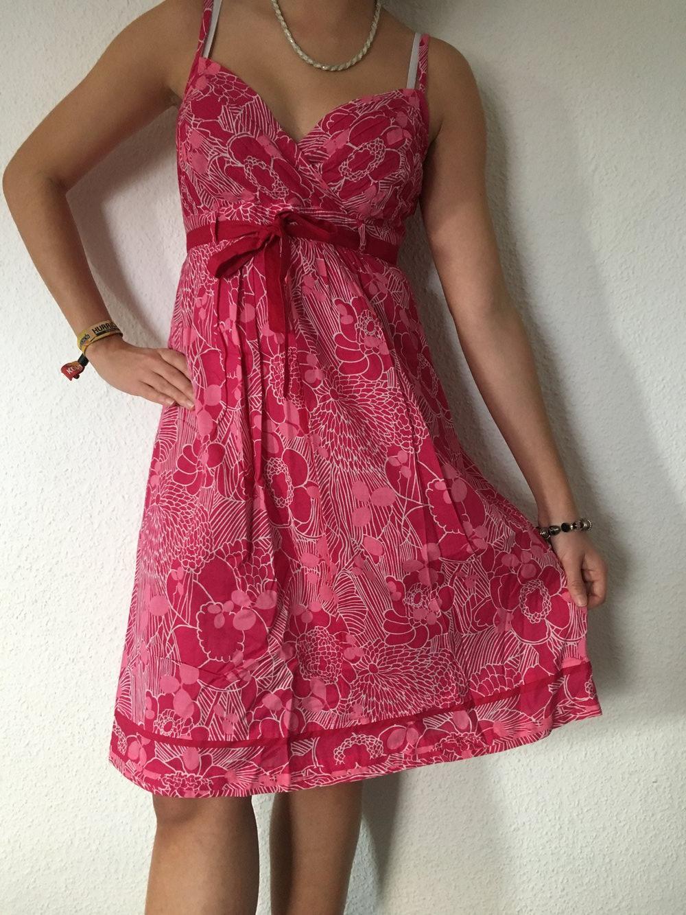 Kleid mit blumenmuster esprit