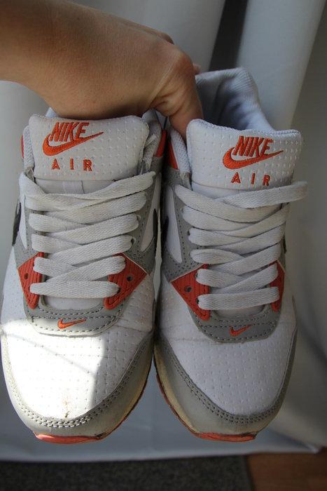Nike Air Max Größe 36 in orange schwarz weiß