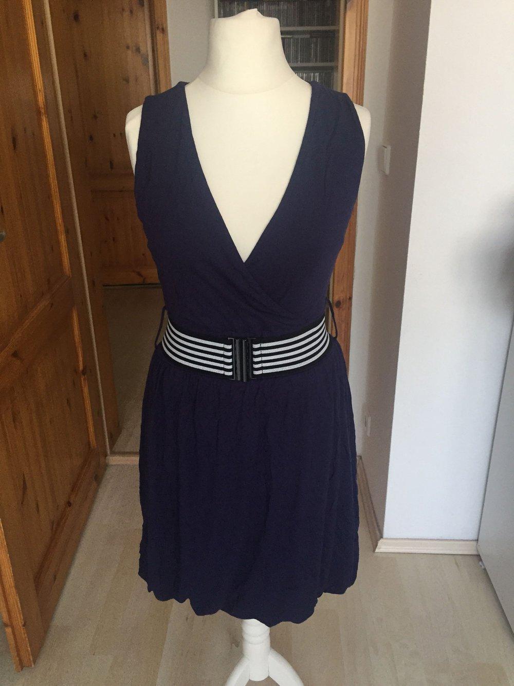 Royal-blaues Kleid von Buffalo Gr.17