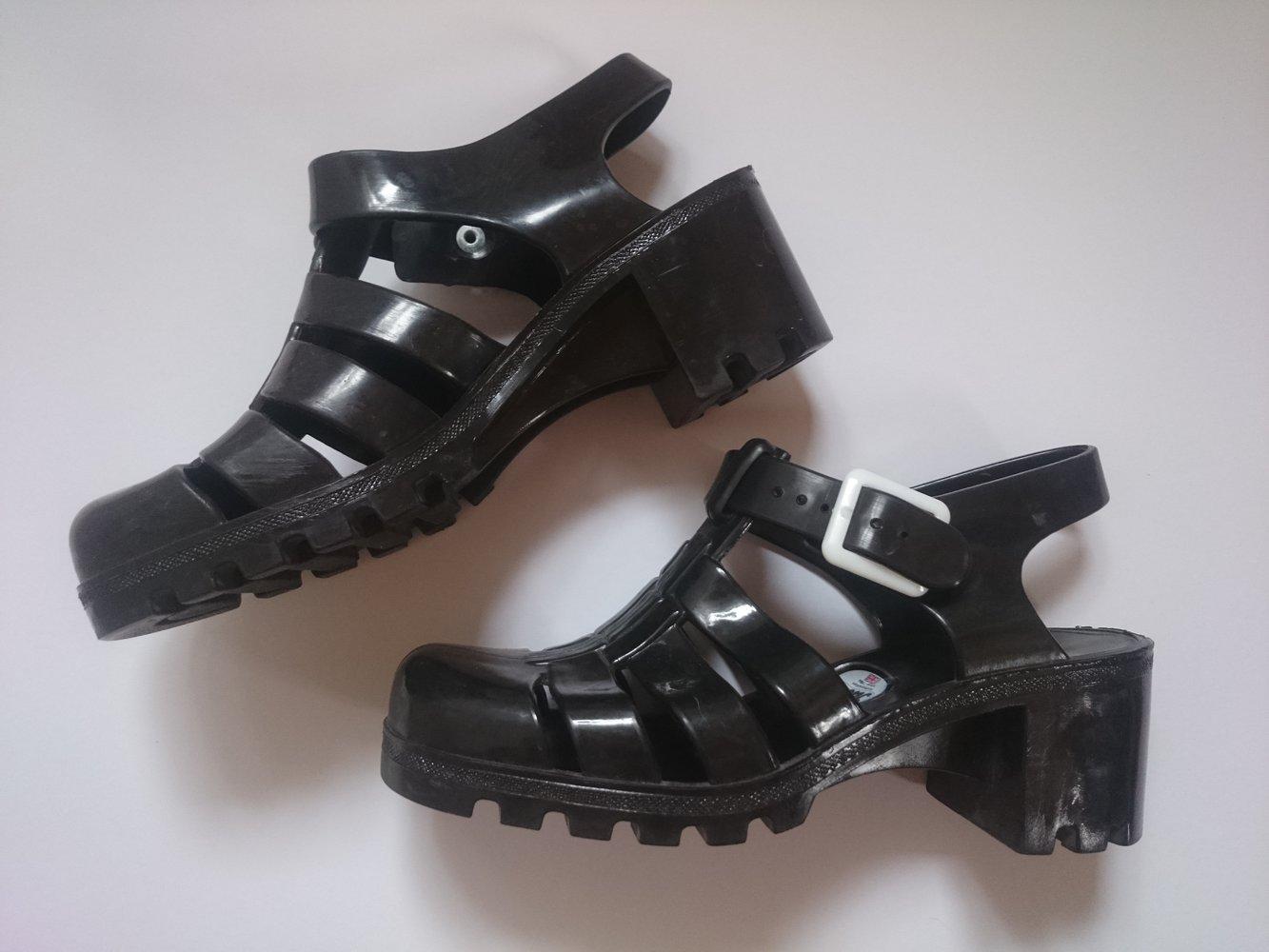 juju sandalen mit kleinem absatz von juju shoes. Black Bedroom Furniture Sets. Home Design Ideas