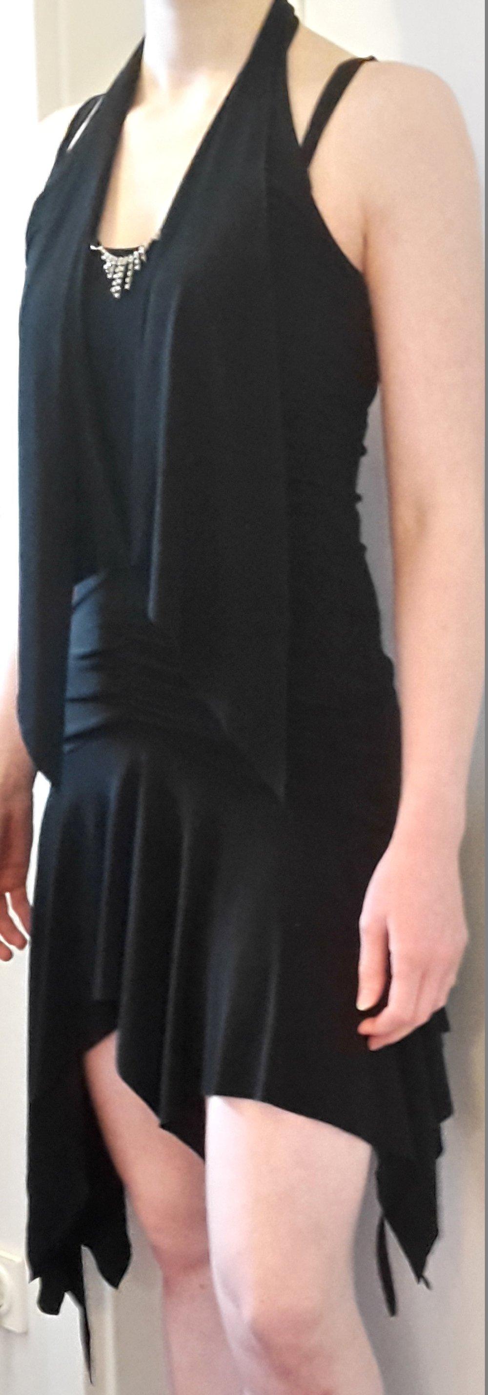 schwarzes abendkleid tanzkleid sexy kleid kleine silberne. Black Bedroom Furniture Sets. Home Design Ideas