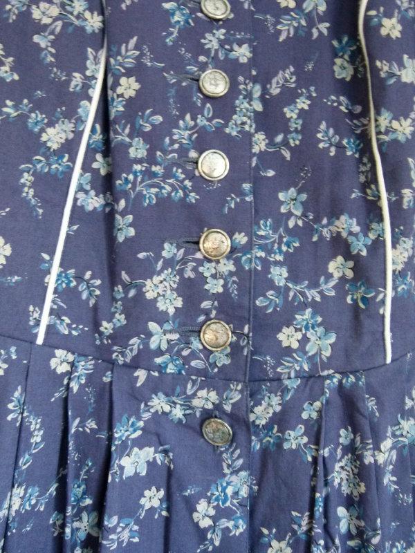 Fini Folklore Kleid Blau Mit Blau Weissem Blumenmuster Trachten Vintage Retro Mori Landhaus Oktoberfest Floral Cottagecore Kleiderkorb De