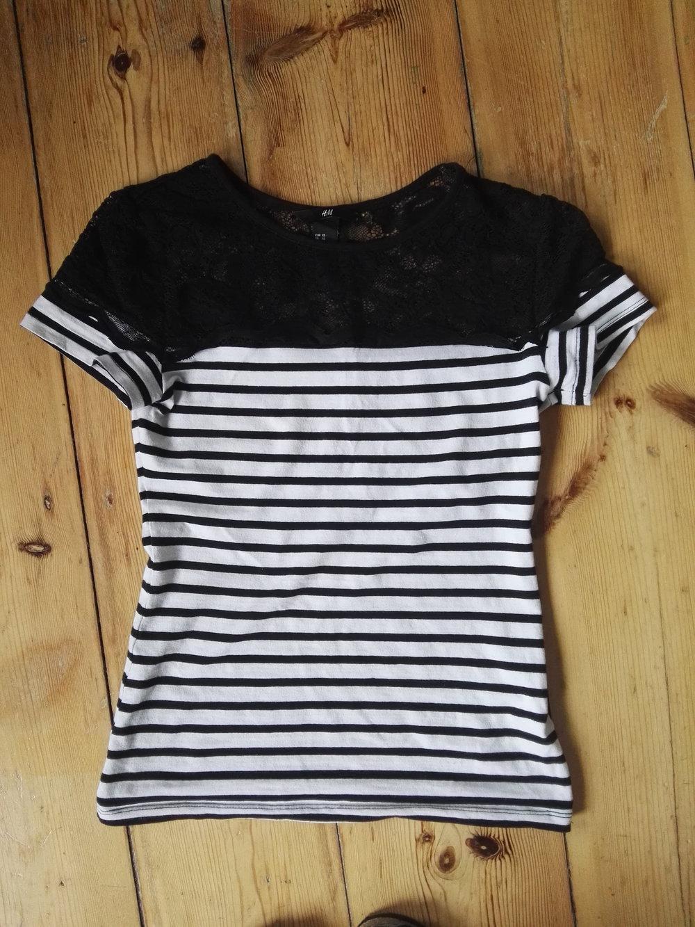 shirt mit spitze und streifen von h m. Black Bedroom Furniture Sets. Home Design Ideas