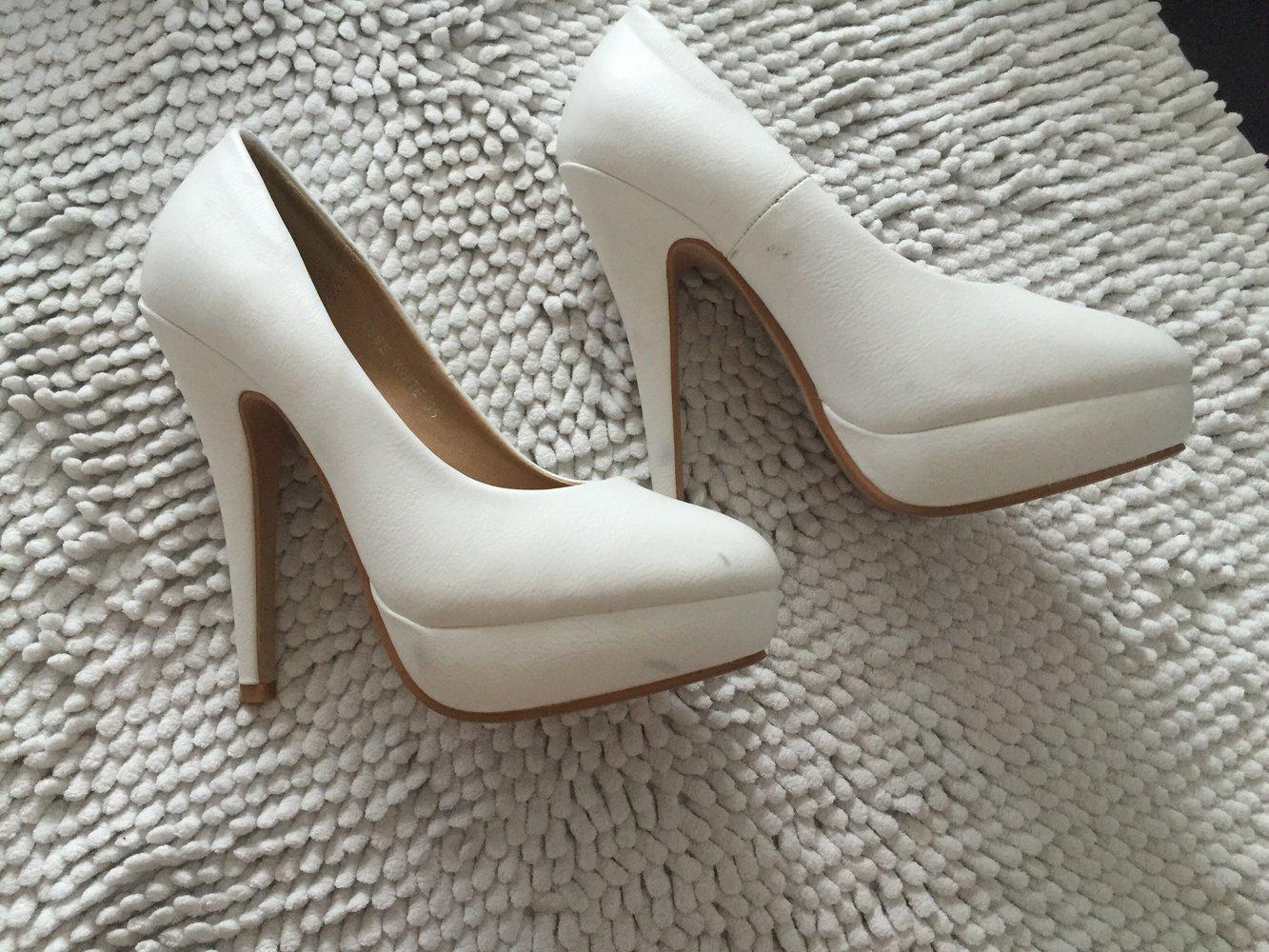 pumps wei high heels. Black Bedroom Furniture Sets. Home Design Ideas