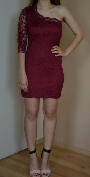 purchase cheap 21842 a18c0 Weinrotes kurzes Kleid aus Spitze one shoulder 34 36 S Blogger Ärmel
