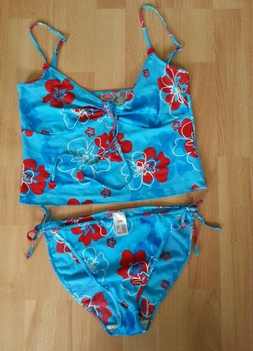 damen tankini bikini blau mit blumen 40 42 tcm tchibo. Black Bedroom Furniture Sets. Home Design Ideas