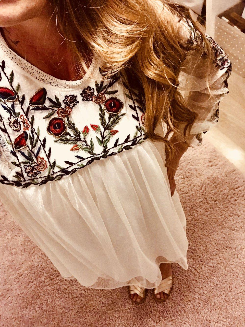 Kleid mit spitze zara