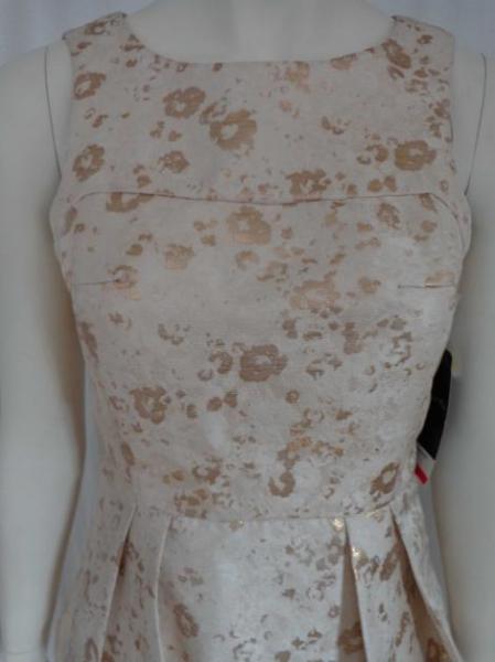 Scarlett Nite - gold-weißes Kleid mit Schößchen -NEU- :: Kleiderkorb.de
