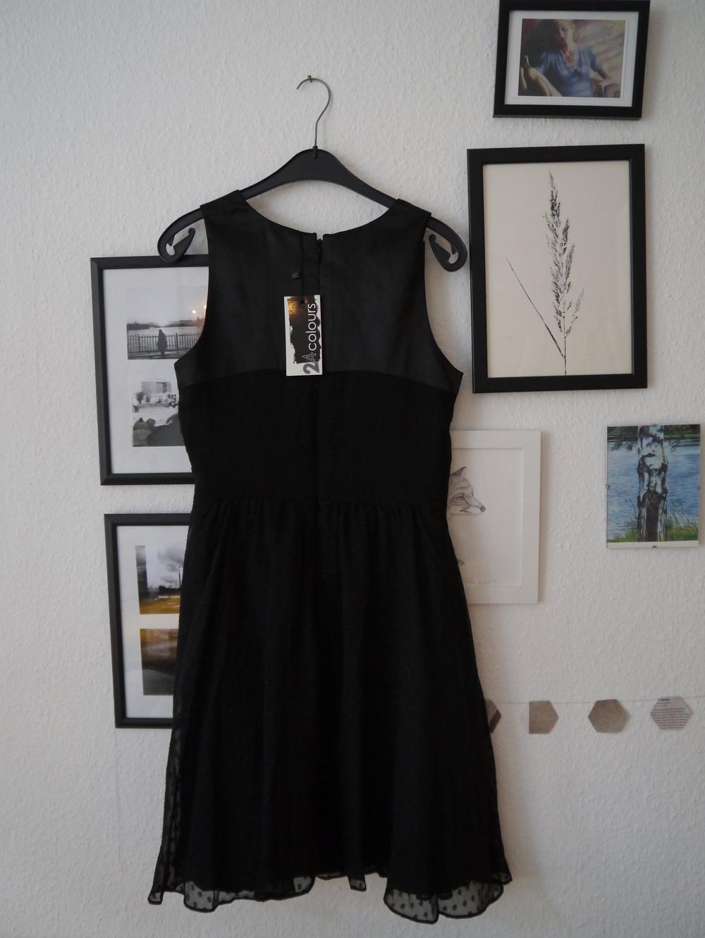 24colours schwarzes kleid mit raffiniertem ausschnitt. Black Bedroom Furniture Sets. Home Design Ideas