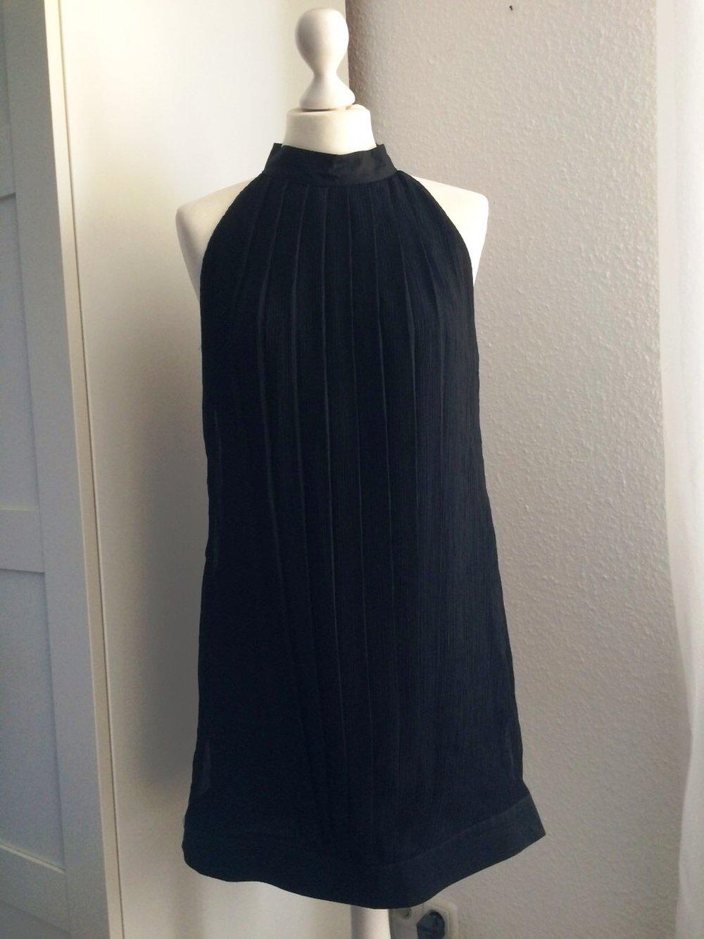 vero moda schlichtes schwarzes kleid ballkleid coktailkleid. Black Bedroom Furniture Sets. Home Design Ideas