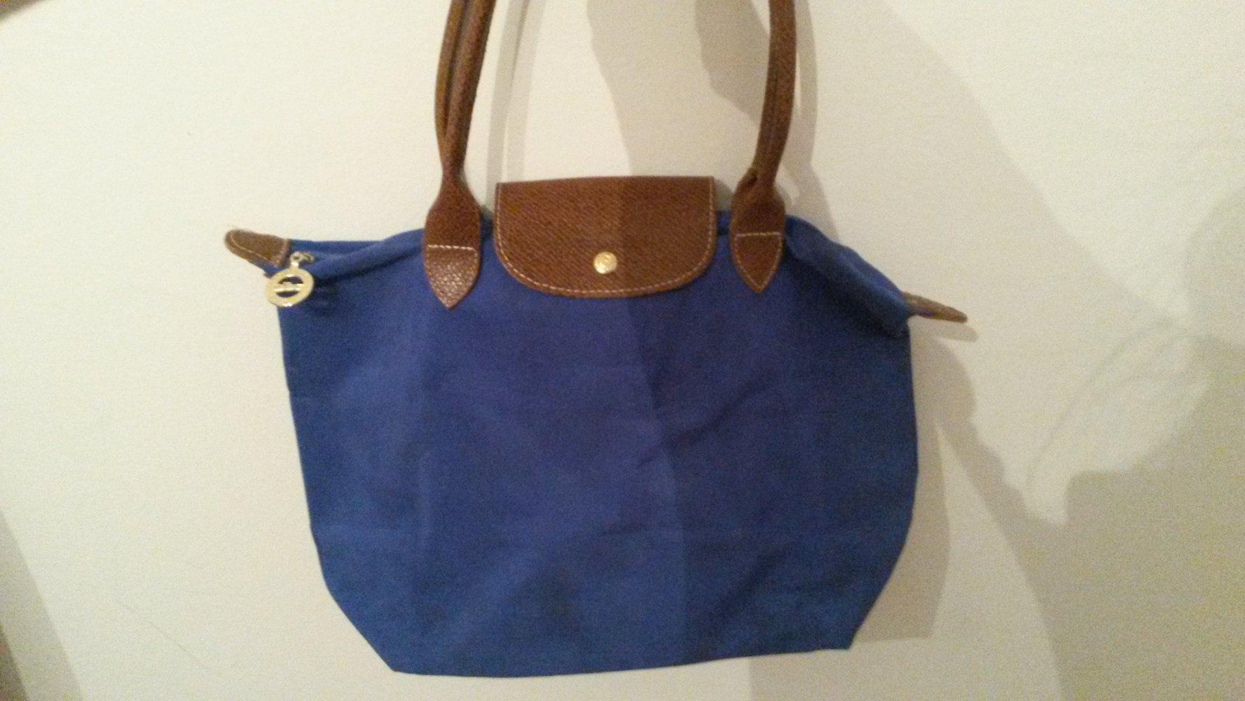 84c3a9760a1c3 Schicke blaue Tasche    Kleiderkorb.de