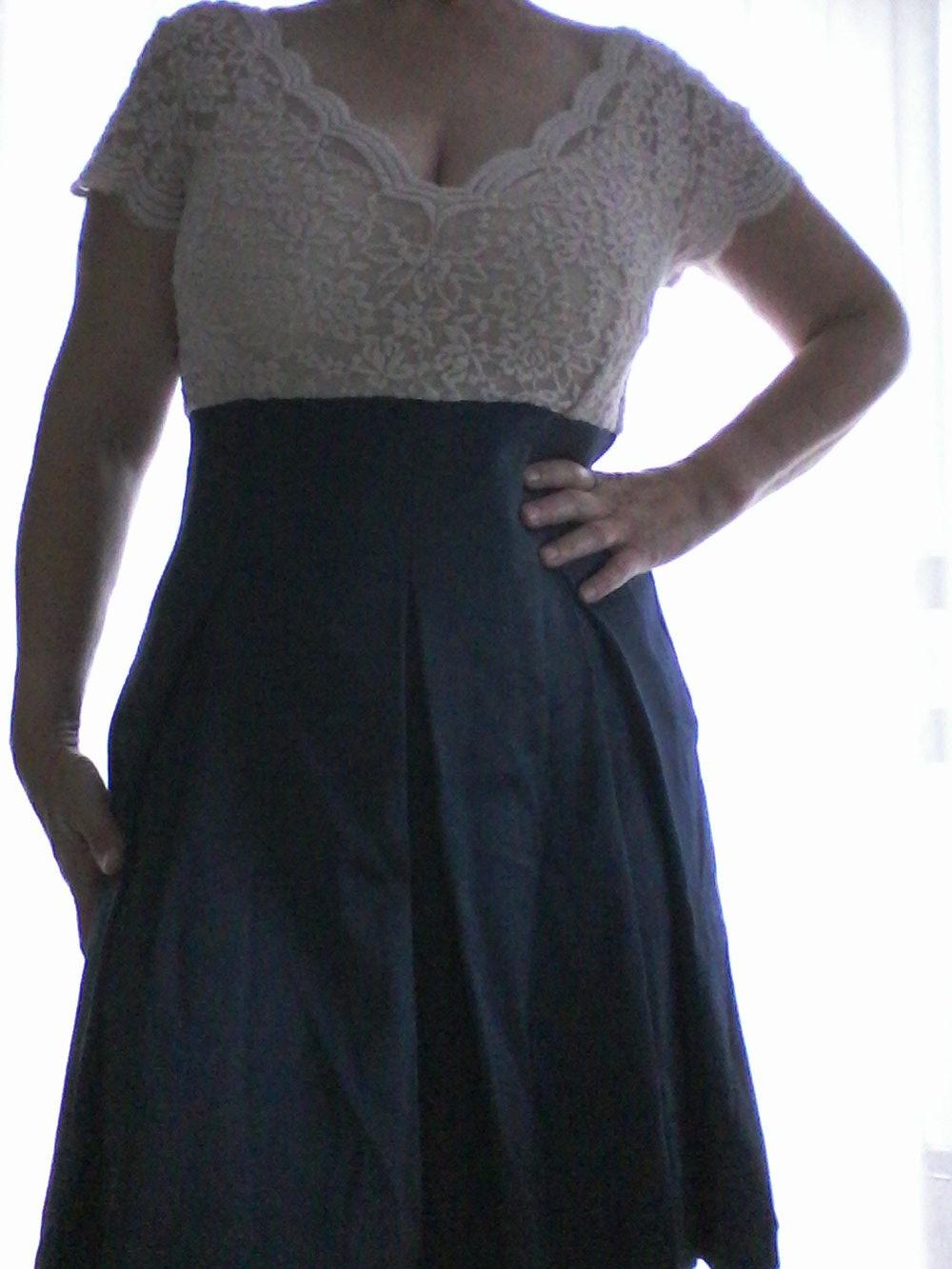 Orsay - Das perfekte Cocktailkleid mit elastischer Spitze, Gr. 40 ...