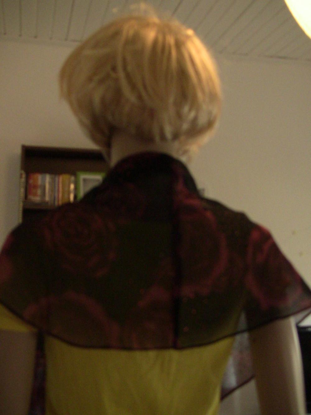tuch zum langen abendkleid mit rosen in 38 s von eyce. Black Bedroom Furniture Sets. Home Design Ideas