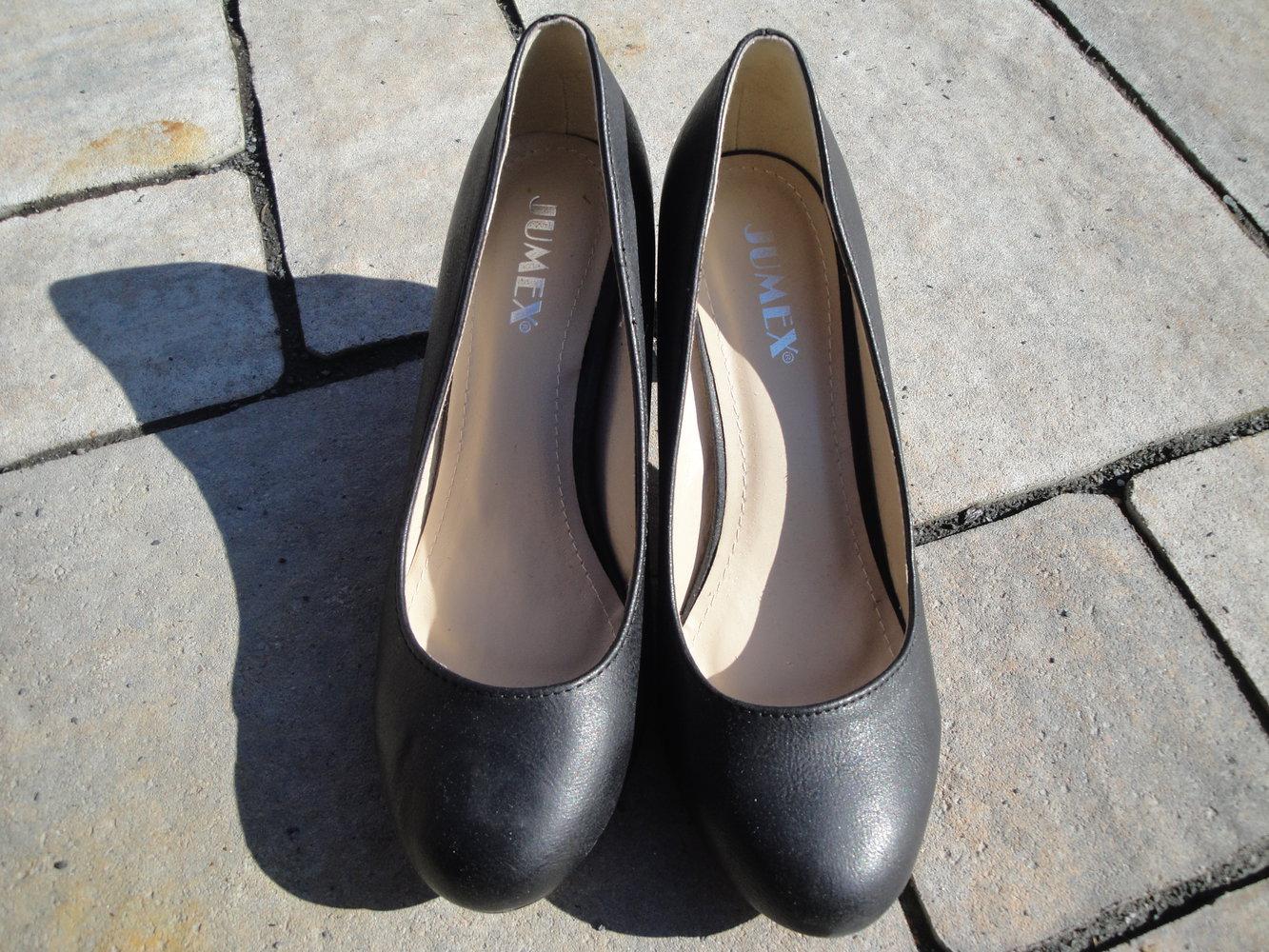 7da3355fe6aa07 schöne schwarze schlichte Pumps von Jumex    Kleiderkorb.de