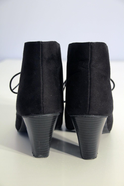 c61e56c7e3a9 Schwarze Ankle Boots Schwarze Ankle Boots ...