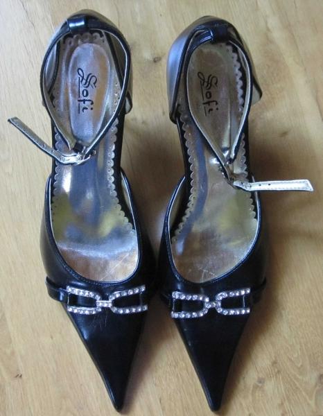 ungetragene schwarze luftige hohe schuhe high heels mit silber und glitzer. Black Bedroom Furniture Sets. Home Design Ideas