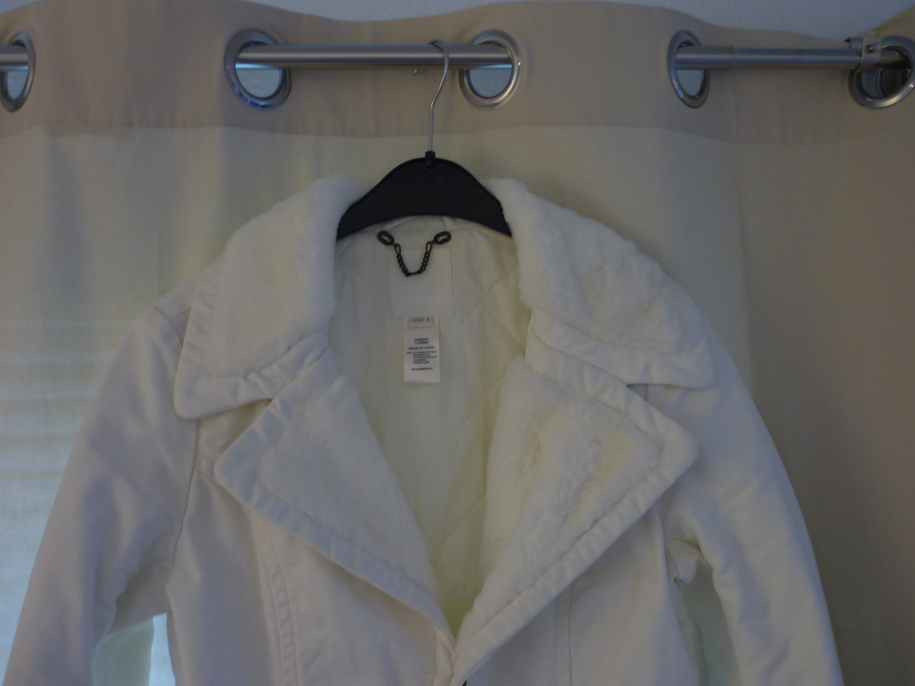 270ca00b45b2 Taillierte Jacke mit Fake-Fur von Diesel    Kleiderkorb.de