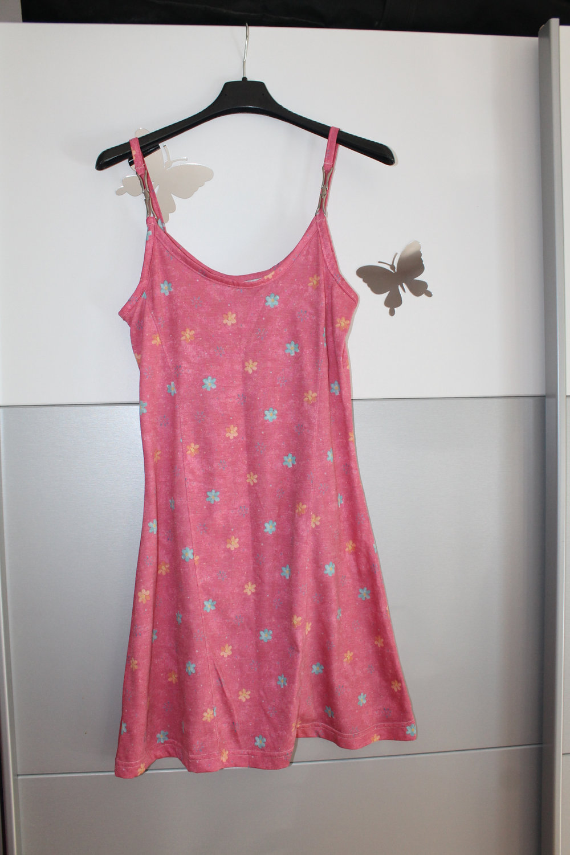 b41181c09cfd Süßes Strandkleid   Sommerkleid in rosa mit Blümchen    Kleiderkorb.de