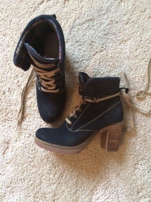 Wildleder Boots Stiefeletten Tamaris blau