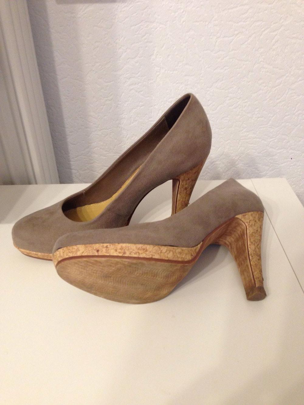 bpc wildlederimitat high heels mit korkabsatz. Black Bedroom Furniture Sets. Home Design Ideas