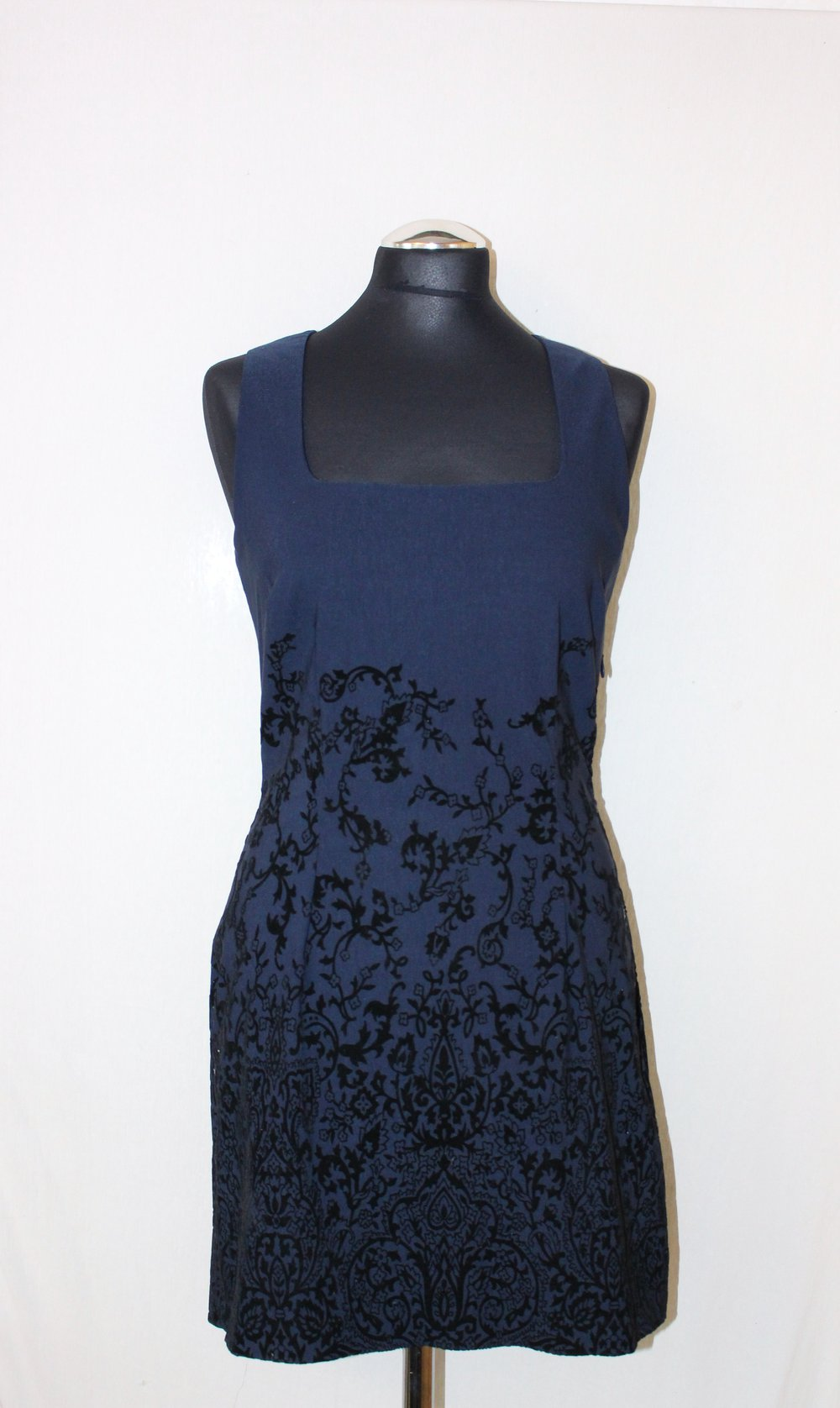 Blaues schickes kurzes Kleid Muster