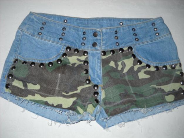 ... Nieten Camouflage Jeans Shorts Hot Pants kurze Hose blau Tarnfarben  Armee Army braun grün 36 38 . 901e1430a0