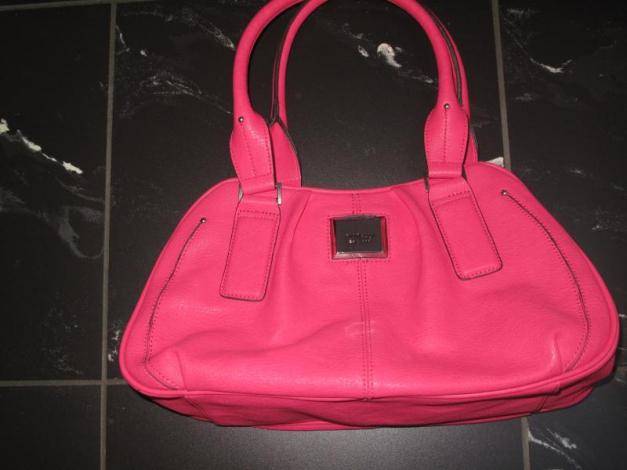 8d3c83215ad18 Tolle pinke Tasche von Fiorelli    Kleiderkorb.de