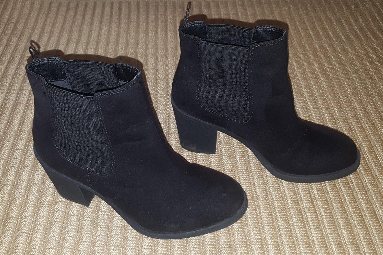 Ankle Boots Stiefeletten schwarz Velours mit Absatz Gr 37 H&M