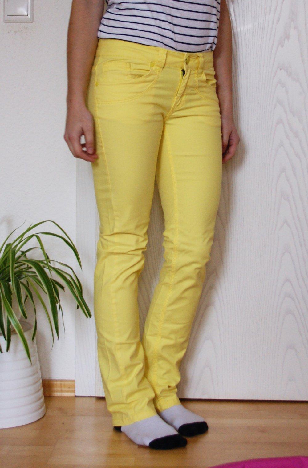 verschiedene Arten von auf großhandel wie man wählt Gelbe Hose / Jeans von We, Größe 34