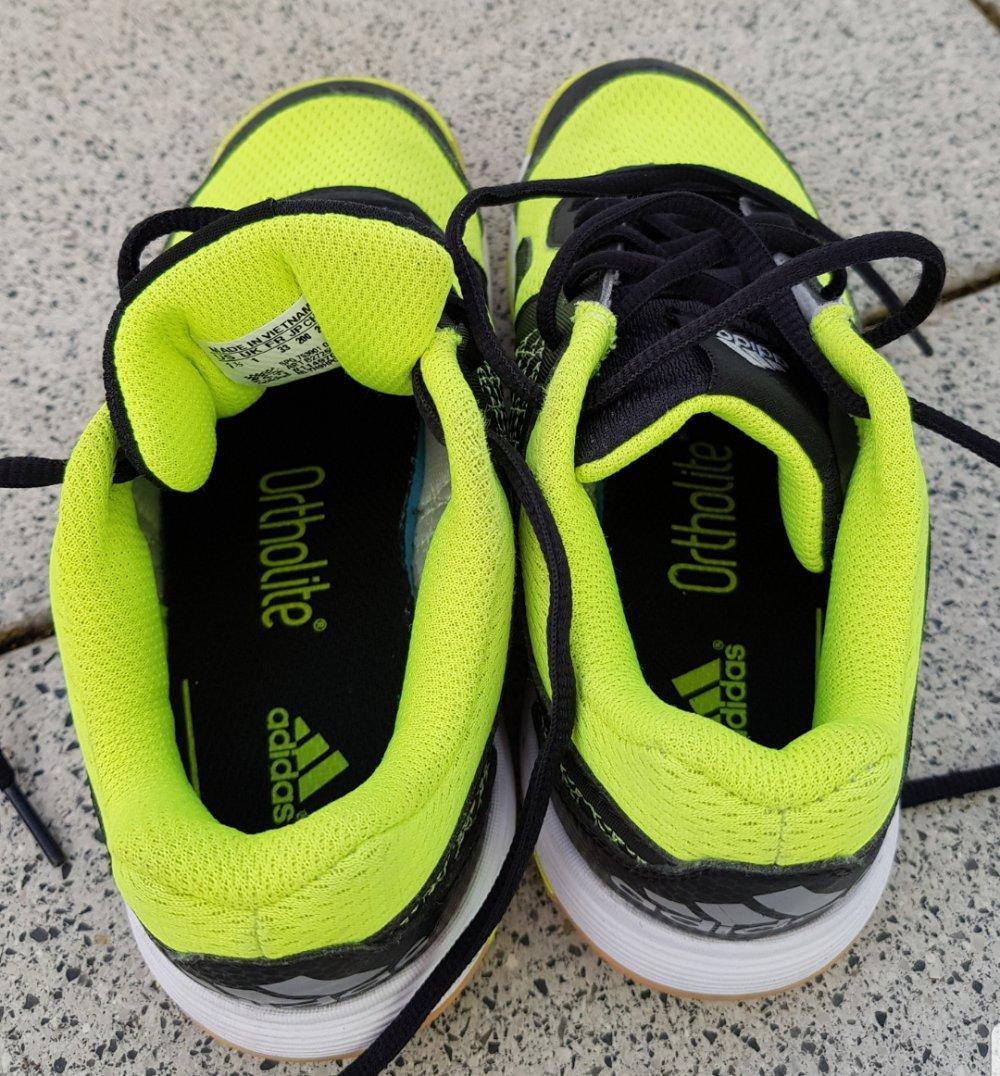 adidas Sportschuhe Gr. 33 neon gelbschwarz für Jungs oder Mädchen