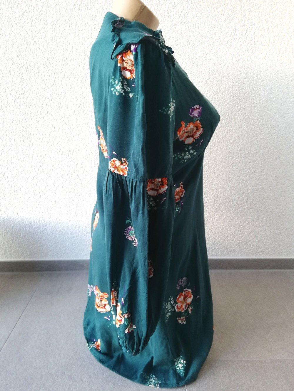 dunkelgrünes kleid mit blumenmuster gr. m