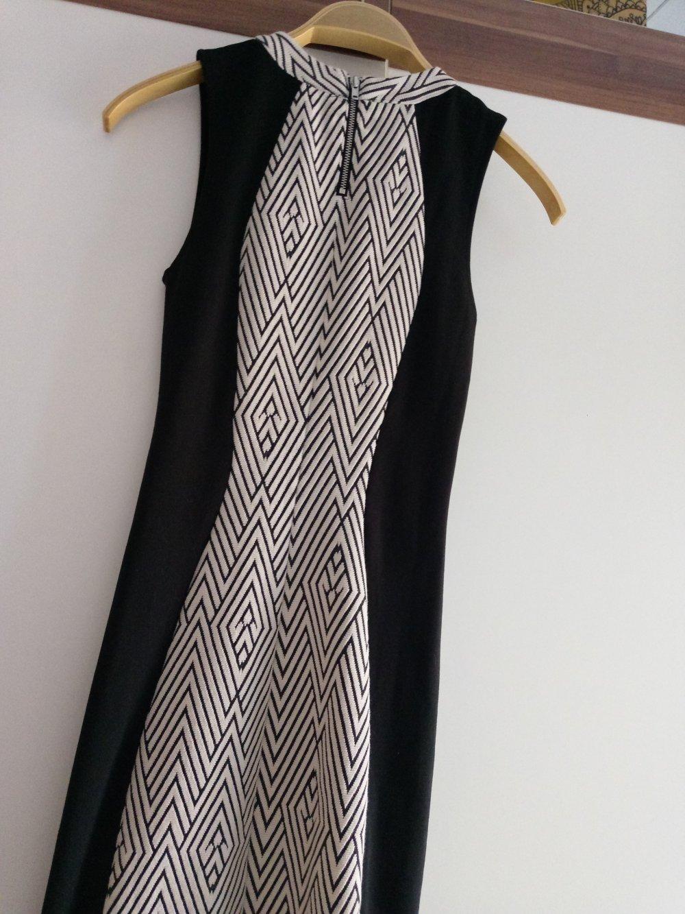 elegantes schwarz-weißes kleid von h&m