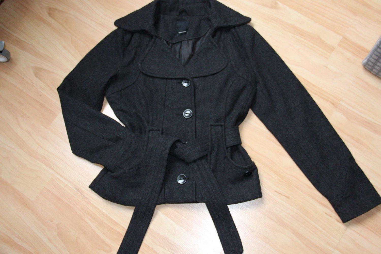 Kurze Jacke, Mantel, Parka, NEU, schwarz von H&M, Gr.4042