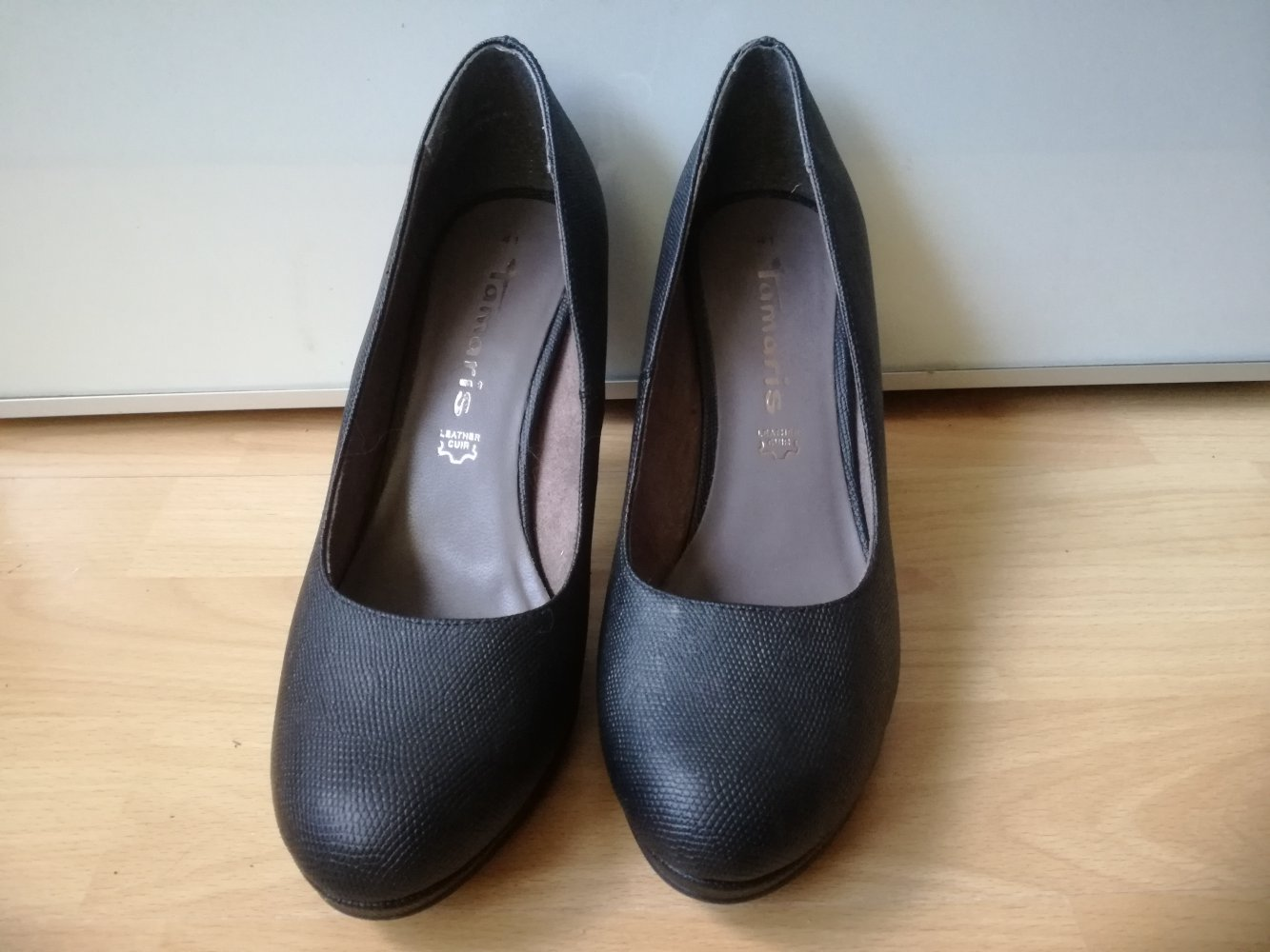 Tamaris Pumps High Heels schwarz super Zustand Gr. 41